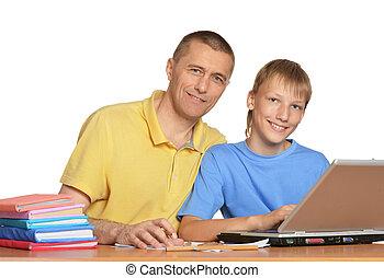男孩, 家庭作业