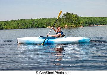 男孩, kayaking