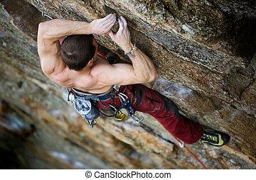 男性爬上, 石头
