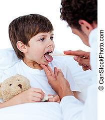 男性的醫生, 檢查, 很少, boy\'s, 咽喉