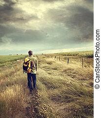 男歩行, 下方に, 田舎の道路