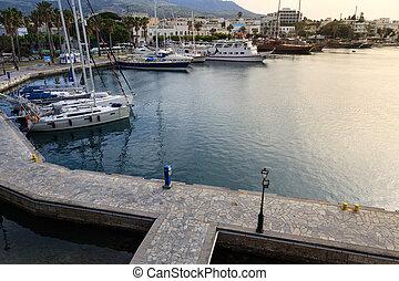 町, port., トルコ石, エーゲ海, ターミナル, ギリシャ, ヨット, 表面, 水, sea., の上, フェリー, マリーナ, 島, kos, 光景