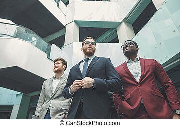 異人種, オフィススタッフ, 地位, 中に, lobby., 専門家, ビジネス チーム