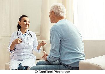 病人, 她, 積極, 高興, 談話, 護士