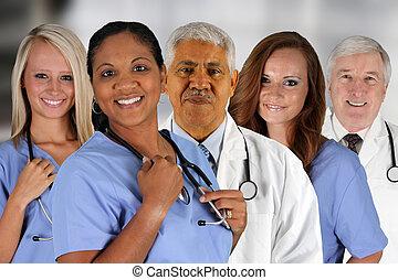 病院の スタッフ