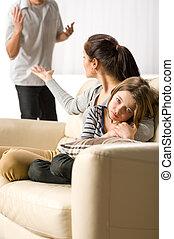 痛苦, 女孩, 從, 父母, 分開, 以及, 戰鬥