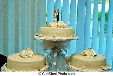 白い結婚式, ケーキ