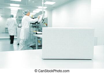 白色, 箱子, 在, 自動化, 生產線, 在, 現代, 工廠, 人們, 工作, 在, 背景
