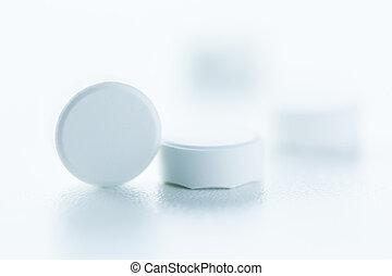 白色, 藥丸
