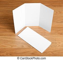 白, ペーパー折りたたみ, フライヤ, ブランク