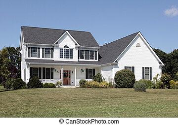 白, 郊外の家
