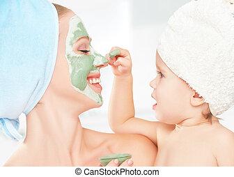 皮膚, 母, マスク, 女の子, 美しさ, 赤ん坊, 作りなさい, 待遇, 家族, bathroom., 娘, 顔