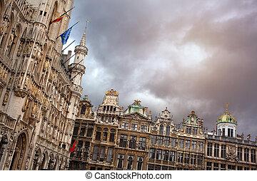 盛大 地方, 布魯塞爾, 比利時