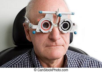 目, より古い, 検査, 持つこと, 人