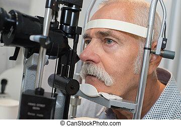 目, 目, 検査しなさい, 医院, 上級の男性