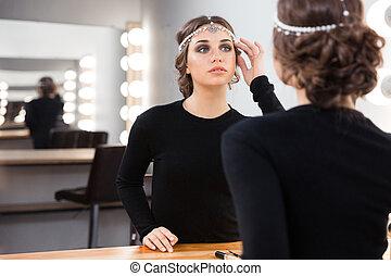 看, 妇女, 反映, 她, 镜子