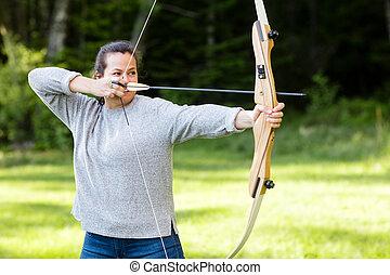 矢, 弓, 射手, 森林, 女性, 狙いを定める