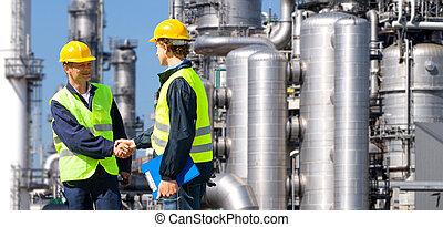 石油化学, 建築業者