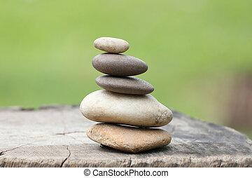 石, ピラミッド, 積み重ねられた, バックグラウンド。, 緑, バランス, 柔らかい