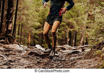石, ランナー, 走っている男性, 汚い
