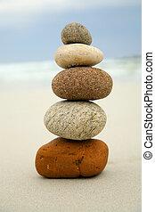 石, 上, 他, 5, それぞれ, バランスをとられた