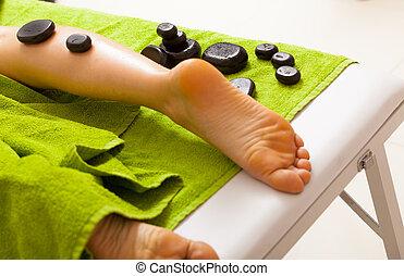 石, massage., relax., bodycare, 暑い, salon., 女性, エステ, 足, 持つこと