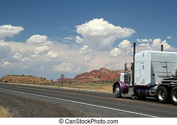 砂漠, トラック輸送