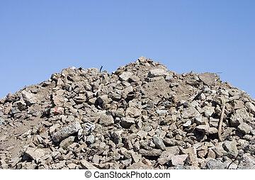 碎石, 泥土