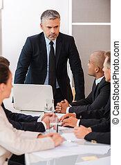 確信した, そして, bossy., ビジネス 人々, 中に, formalwear, テーブルの着席, 一緒に, 間,...