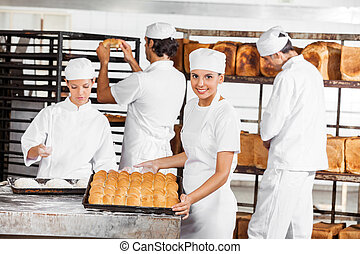 確信した, パン屋, 提示, パン, 中に, パン屋