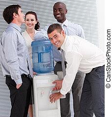 確信した, 人々ビジネス, watercooler, 多民族, 相互作用, オフィス
