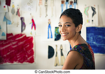 確信した, 企業家, 肖像画, の, 幸せ, ヒスパニック, 若い女性, 仕事, ∥ように∥, ファッション・デザイナー, そして, ドレスメーカー, 中に, アトリエ