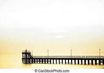 碼頭, 夫婦傍晚