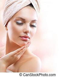 礦泉, girl., 美麗, 年輕婦女, 以後, 洗澡, 触, 她, 臉
