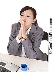 祈ること, 女性ビジネス