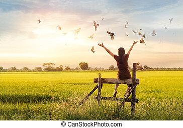 祈ること, 女, 概念, 自然, 無料で, 背景, 日没, 楽しむ, 鳥, 希望