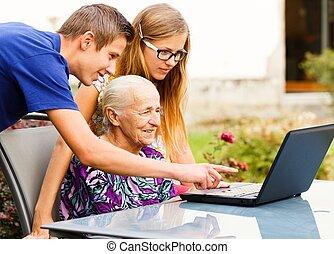 祖母, 助力, 現代 技術, 孫