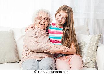 祖母, 孫娘