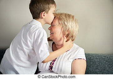 祖母, 接吻, 彼の, 孫
