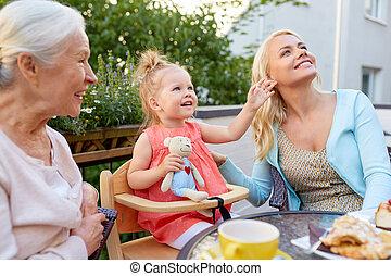 祖母, 母, カフェ, 娘