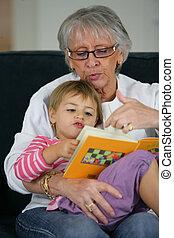 祖母, 読書, 一緒に, 子供
