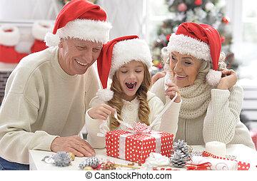 祖父母, クリスマス, 準備, 孫, 肖像画