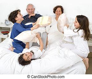 祖父母, 孫, ベッド
