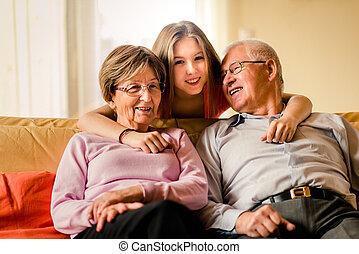 祖父母, 孫, 家