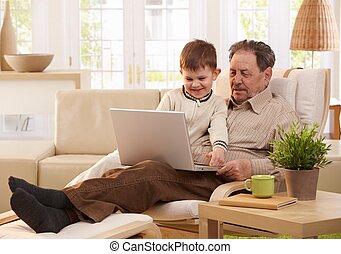 祖父, 以及, 孫子, 使用計算机, 一起