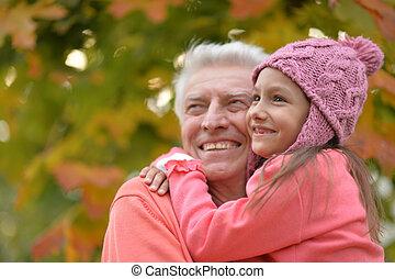 祖父, 孫娘, 公園