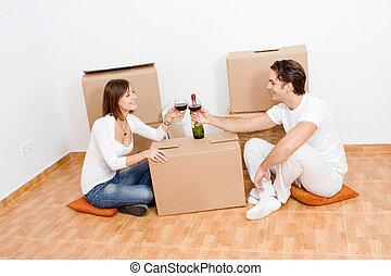 祝うカップル, 新しい 家, 最初に, 幸せ