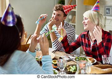 祝う, 誕生日おめでとう, 夕食, カップル, テーブル