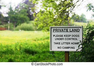 私用, 土地