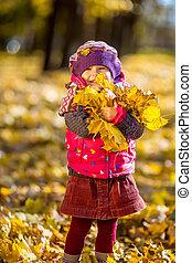 秋, わずかしか, 葉, 女の子, 遊び